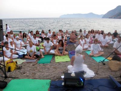 Yoga, meditación y concierto de mantras en El Portús, Cartagena